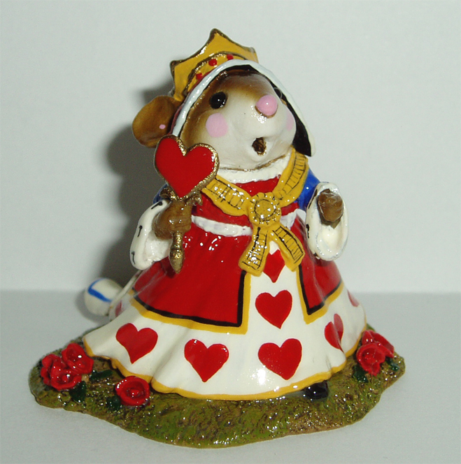 AIW-04 The Queen of Hearts