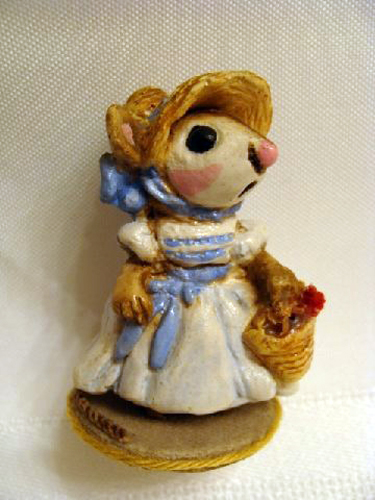 M-012 May Belle Mouse