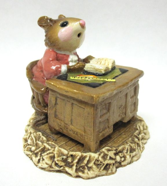 M-056 School Marm Mouse