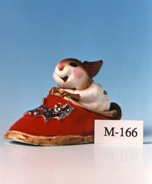 M-166 Chris-Mouse Slipper