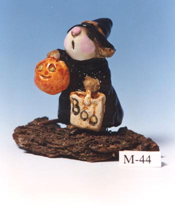 M-044 Witch Mouse