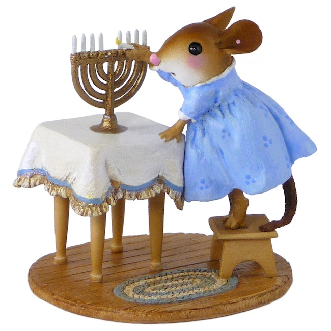 M-519 Lighting the Menorah